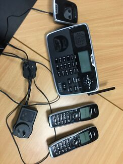 Uni den home/ phone with 2 cordless receivers