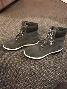Exclusive Timberland Boots for sale size 9