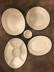 Set of 4 white serving pieces