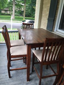 High drop leaf dining room table with 6 chairs