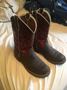 Like new women's Ariat boots