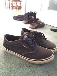 Black Vans Shoes (size 9)