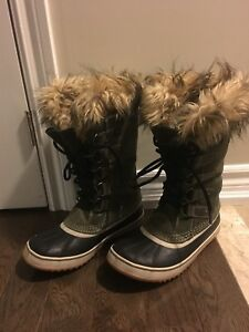 "Sorel ""Joan of Arctic"" Women's Winter Boot Size 7.5"