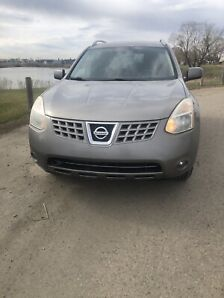 """Loaded AWD Nissan Rogue """"Low Kms"""""""