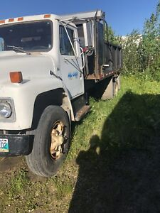 S1900 international dump truck LOW KM