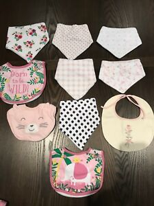 Lot of bibs (all in new condition)
