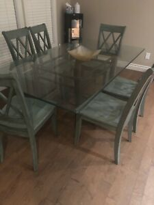Excellent condition glass table.
