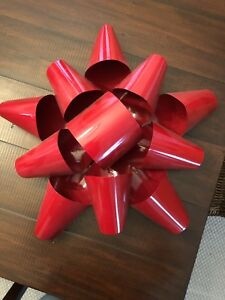Gorgeous Red Metal Wreath