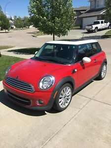 2011 MINI COOPER WITH WINTER TIRES N RIMS