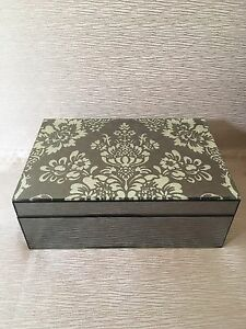 Jewellery Box Meadow Heights Hume Area Preview