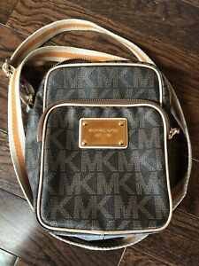 0d1892dde5c48b Michael Kors | Buy or Sell Women's Bags & Wallets in Barrie | Kijiji ...