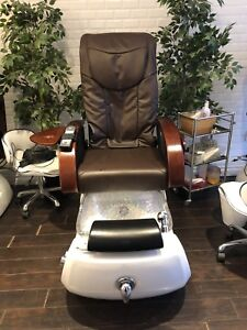 FREE client & technician chairs with 4 PEDICURE chairs