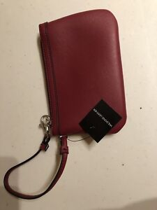 NEW wristlet - wine coloured