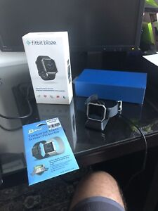 Fitbit Blaze large - like new + screen protect +standing charger