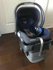 2017 uppababy Mesa infant car seat and base