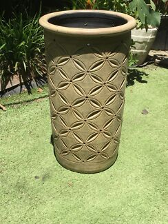 Ceramic beige plant pot