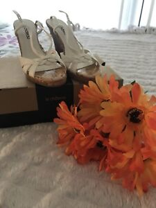 Brand new le chateau wedges