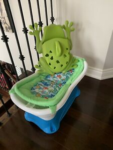Summer Infant baby tub & Boon Frog Toy Storage