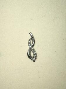 10 kt white gold infinity pendant