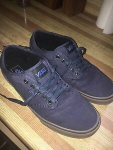 VANS SHOES FOR SALE SIZE 10.5