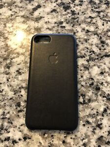 Apple iPhone 7 leather case 10/10 condition