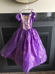 Rapunzel dress and Wig size Small(4-6x) $10 Spruce Grove PPU