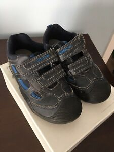Geox Shoes for Boys - size 28