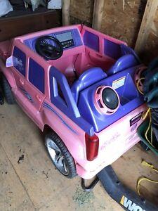 Barbie Escalade Power Wheels Fisher Price