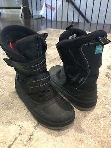 Cougar winter snow boots  - unisex /fits like adult size 7
