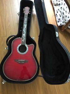Electric Acoustic Guitar  with Hard Shell case !