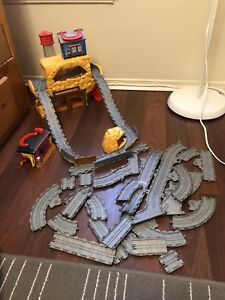 Thomas and friends gold mine set