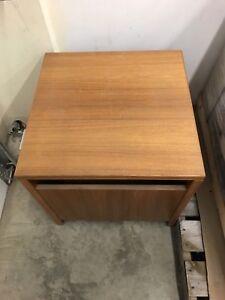 Sturdy corner desk