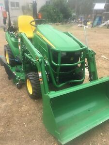 """John Deere Utility Tractor/ Mower with Drive on/off  60"""" Deck Araluen Gympie Area Preview"""