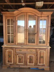 Beautiful BROYHILL Dining Set- $950 OR BEST OFFER