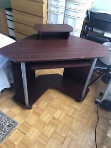 Corner Computer Desk on Wheels