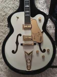 6136 Gretsch White Falcon
