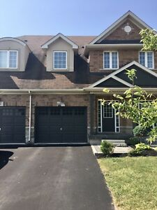 Westmount Oakville town house for rent