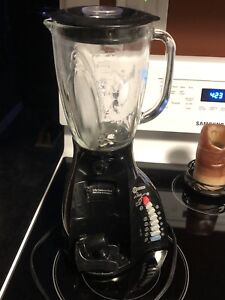 Glass blender with tap