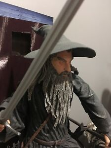 Neca 1/4 Lord of the Rings Gandalf figure