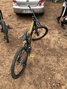 Specialized enduro expert EVO gravity bike