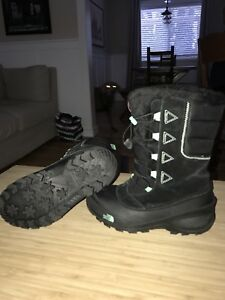 The Northface girls winter boots