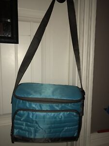 New large lunch box with crossbody strap