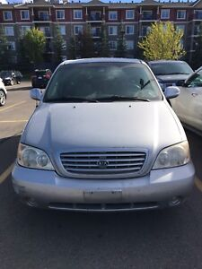 2003 Kia Sedona - Very low mileage