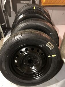 215/60 R16, 4 MICHELIN all season tires with rims, almost new