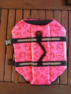 Dog life vest/ float vest