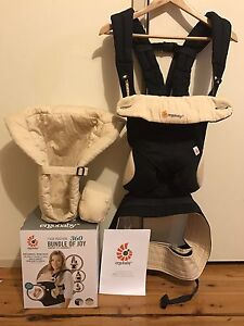 ALMOST NEW ERGOBABY 360 Bossley Park Fairfield Area Preview