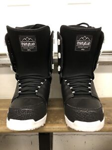 NEW Thirtytwo snowboard boots