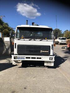 Crane truck (hiab)