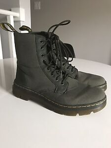 Dr Martens Combs Unisex Nylon Mesh boots in Olive Green