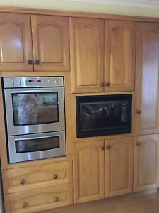 Kitchen with appliances for sale Wandana Heights Geelong City Preview